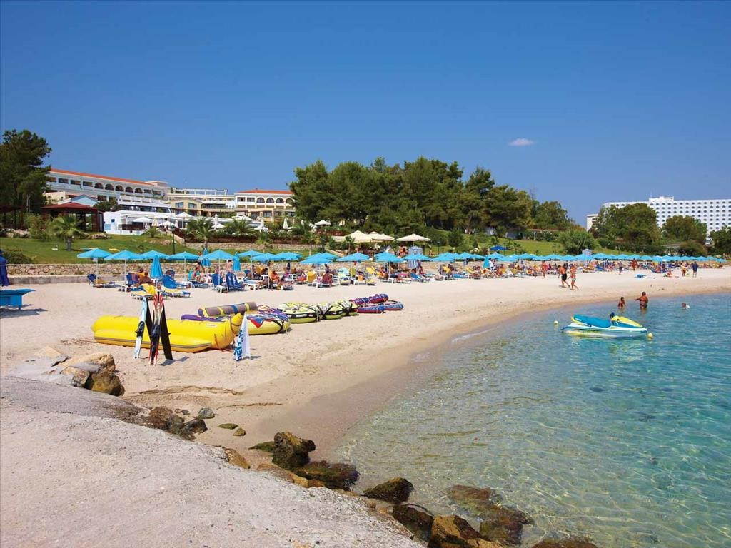 Aegean Melathron Hotel - плаж