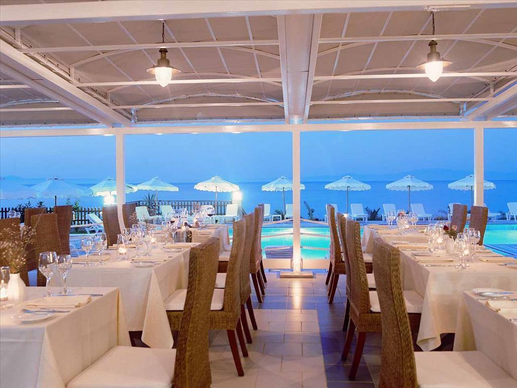 Achtis Boutique Hotel - ресторант през нощта