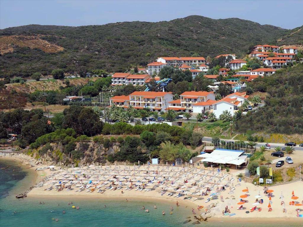 Aristoteles Holiday Resort & SPA - плаж