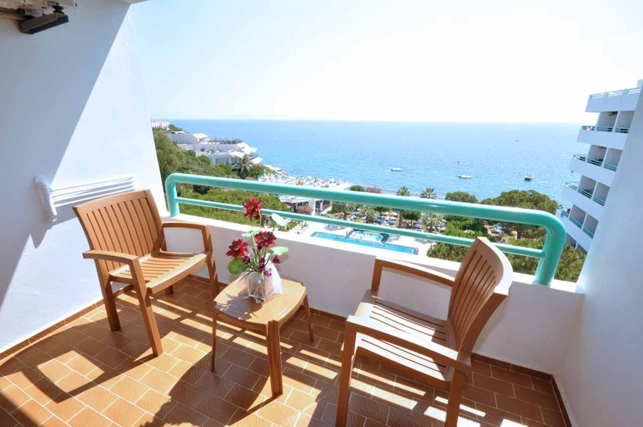 Club Hotel Grand Efe - тераса