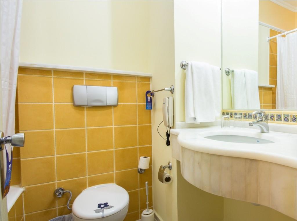 Aqua Fantasy - клубна фамилна стая - баня