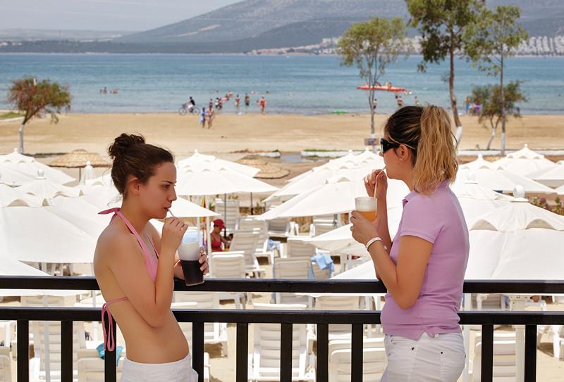 Ramada Resort Akbuk - плаж