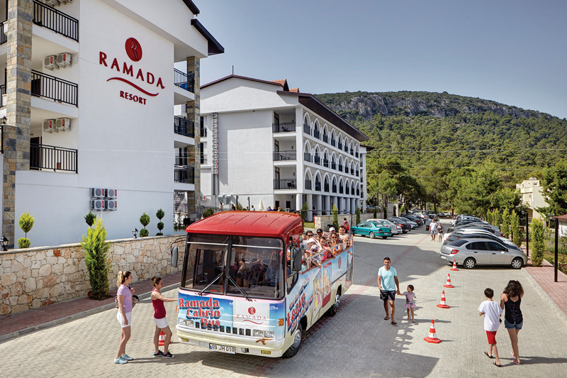 Ramada Resort Akbuk - бус