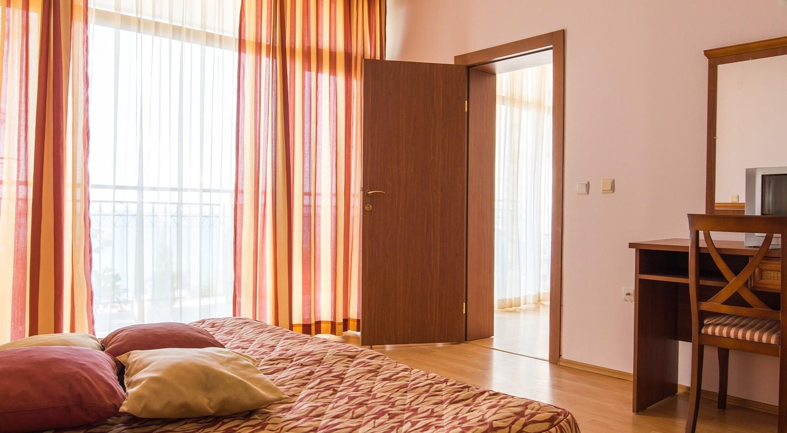 Хотел Цезар Палас 4* - едноспален апартамент