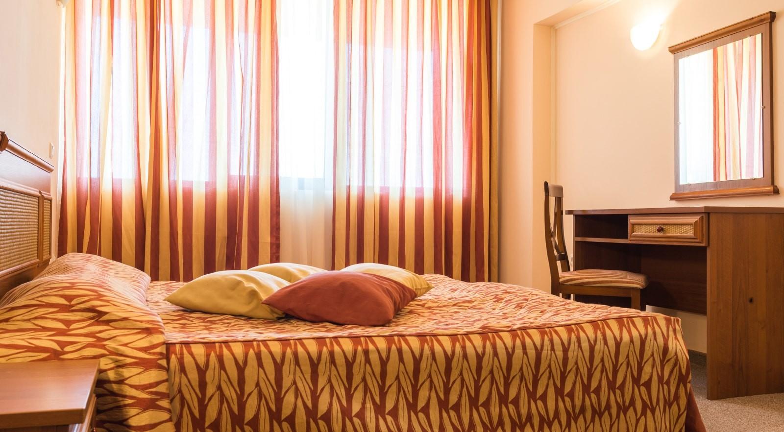 Хотел Цезар Палас 4* - двуспален апартамент