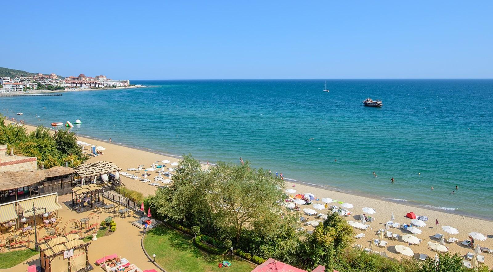 Хотел Цезар Палас 4* - плаж