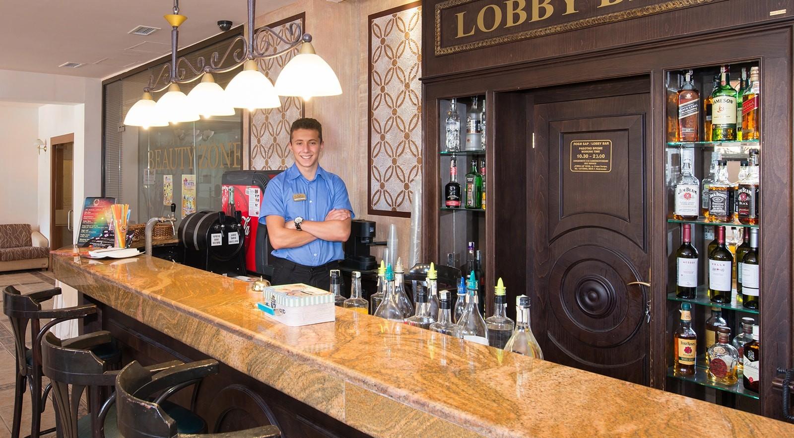 Хотел Цезар Палас 4* - лоби бар