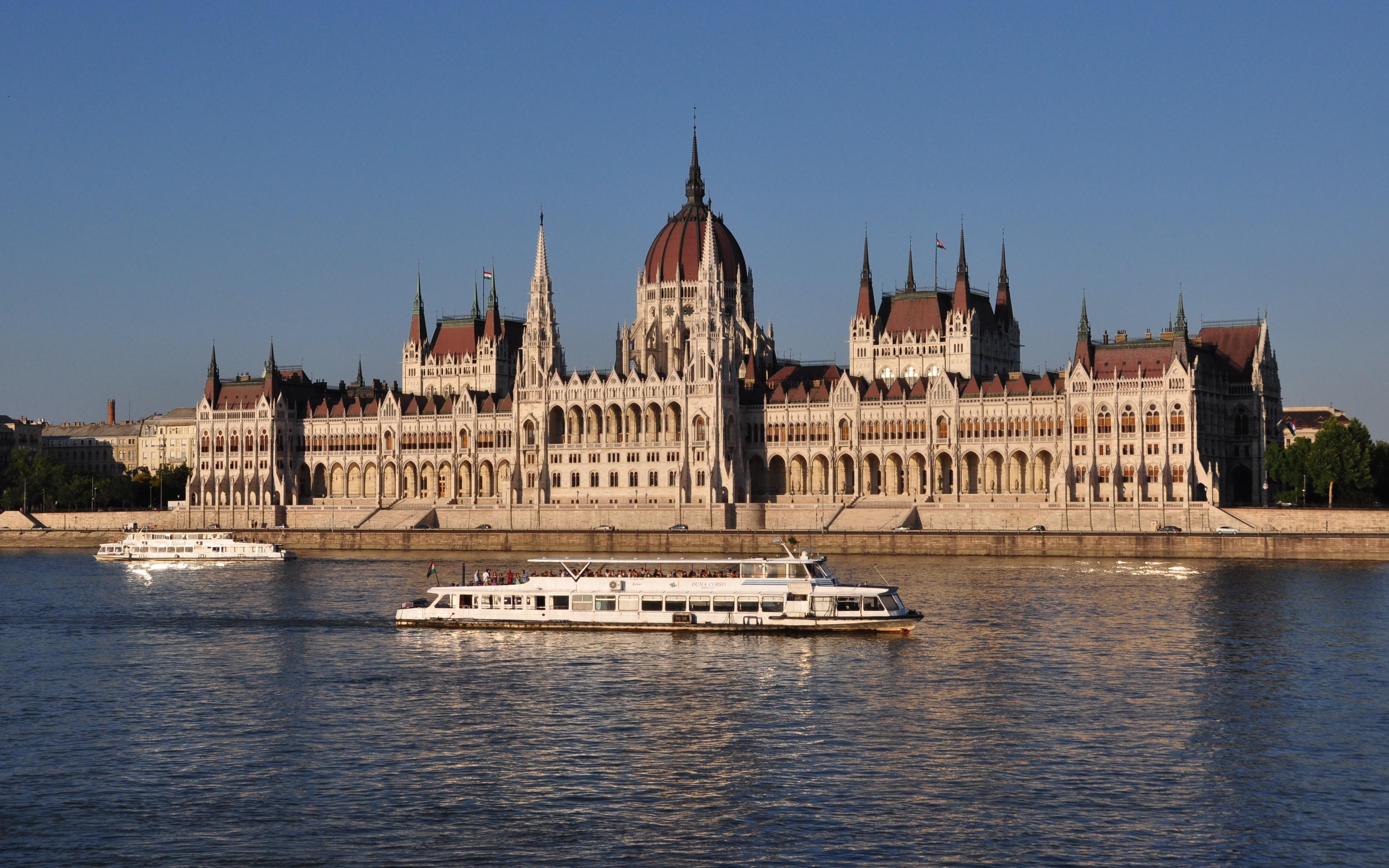 Сградата на Парламента - Будапеща