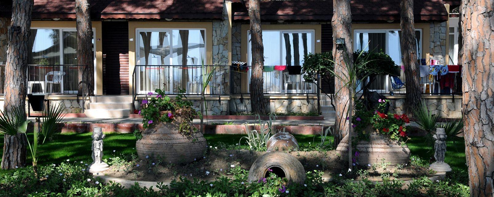 Omer Holiday Village - градина
