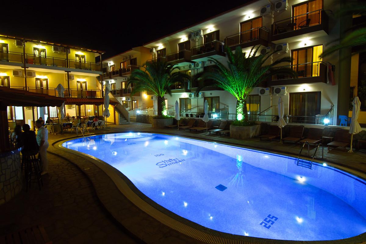 Simeon Hotel - басейн