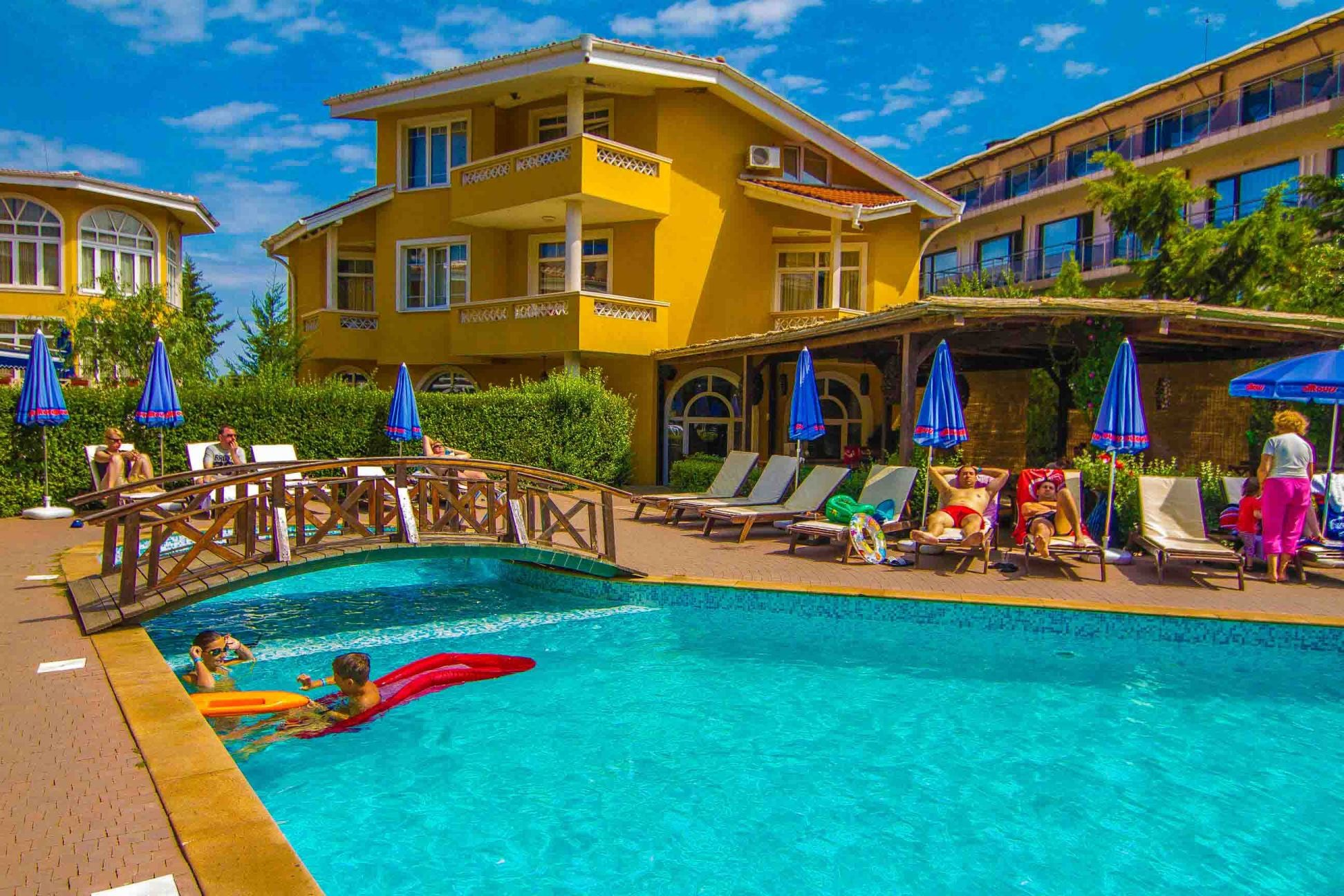 Blue Orange Beach Resort - общ изглед