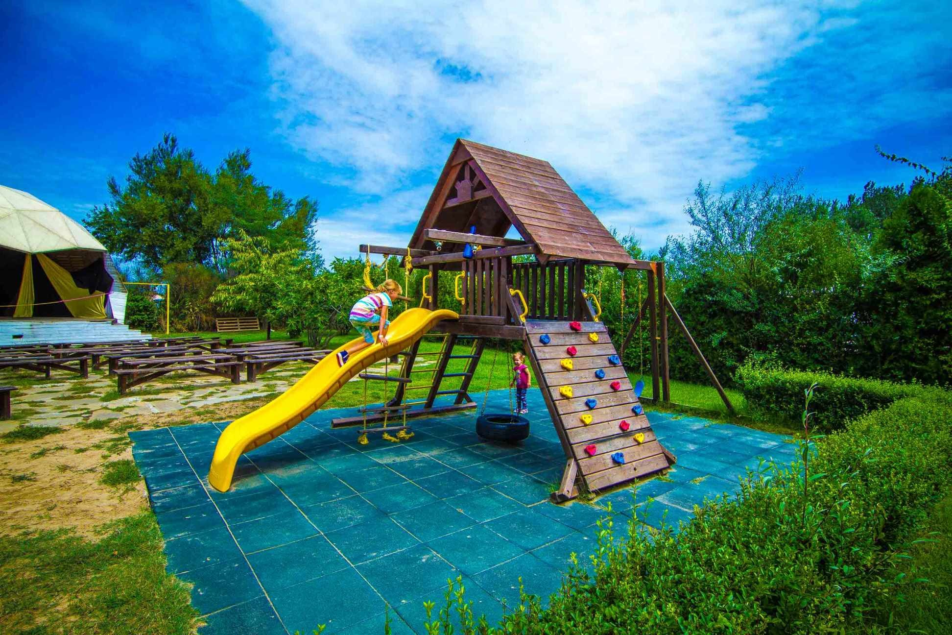 Blue Orange Beach Resort - детска площадка