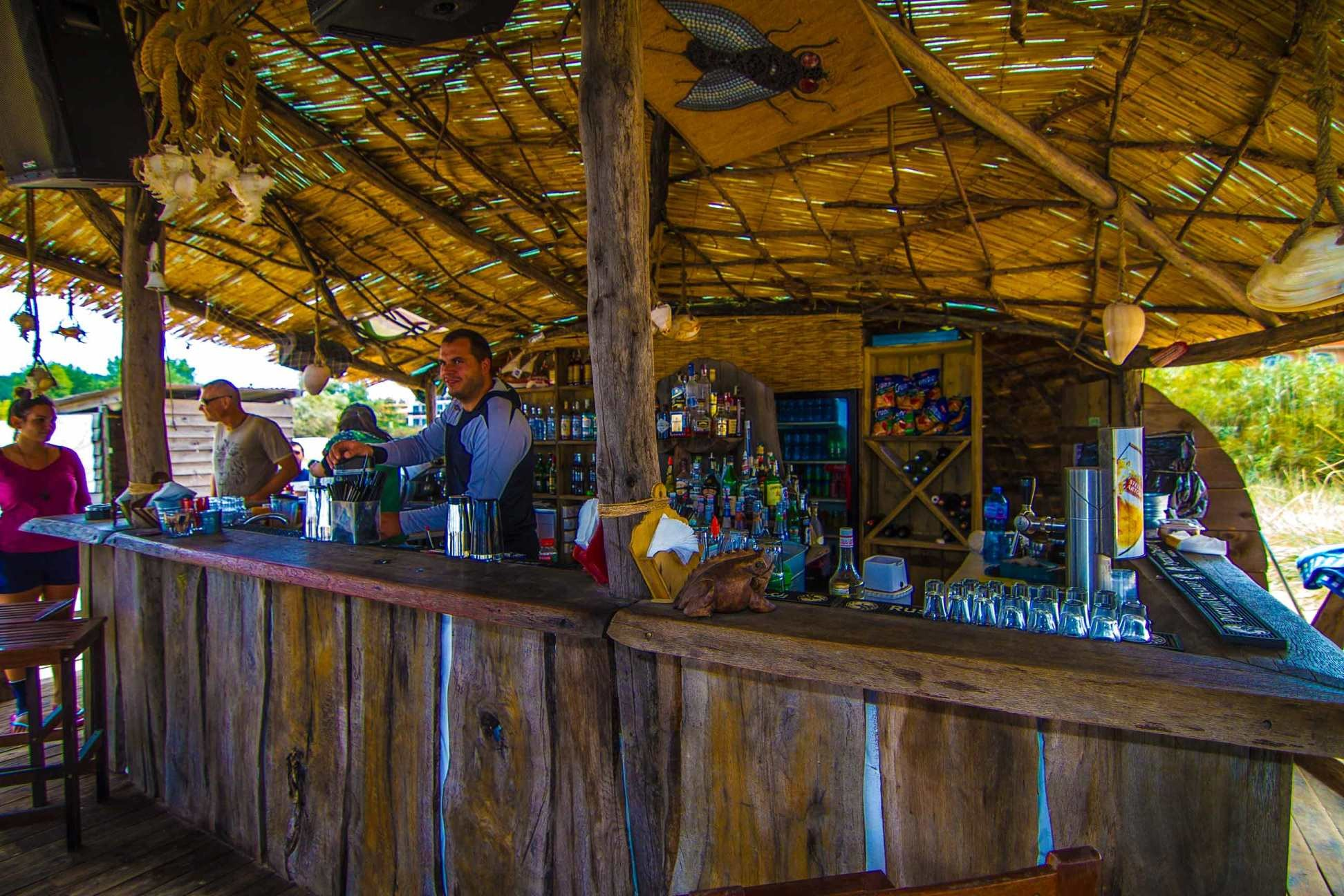 Blue Orange Beach Resort - бар на плажа