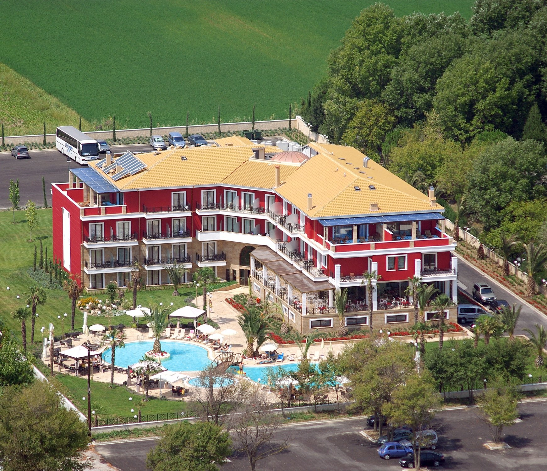 Mediterranean Princess Hotel - общ изглед