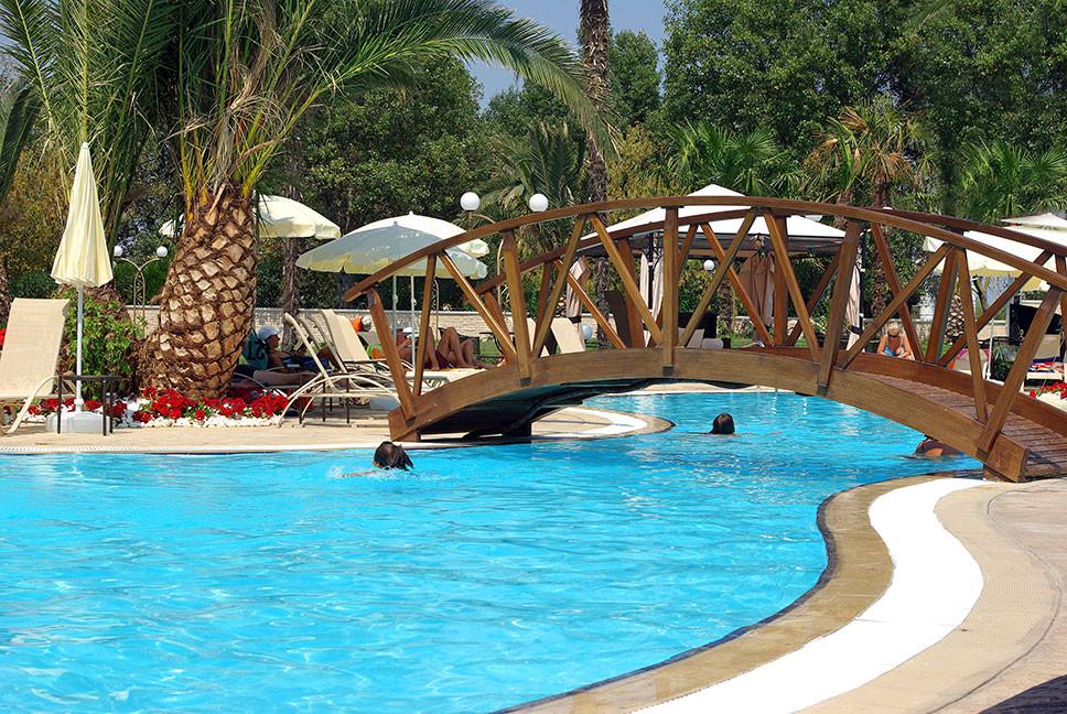 Mediterranean Princess Hotel - басейн