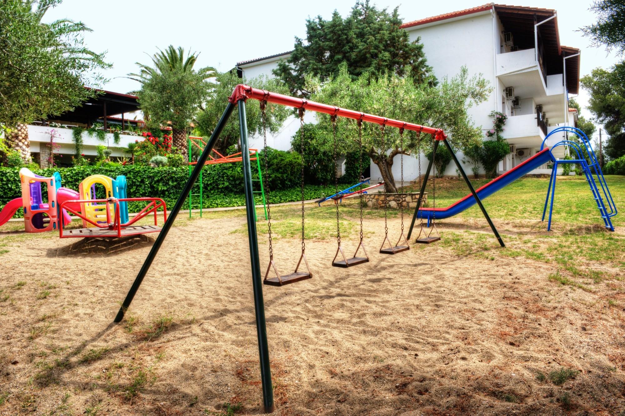 Philoxenia Bungalows Hotel - детска площадка