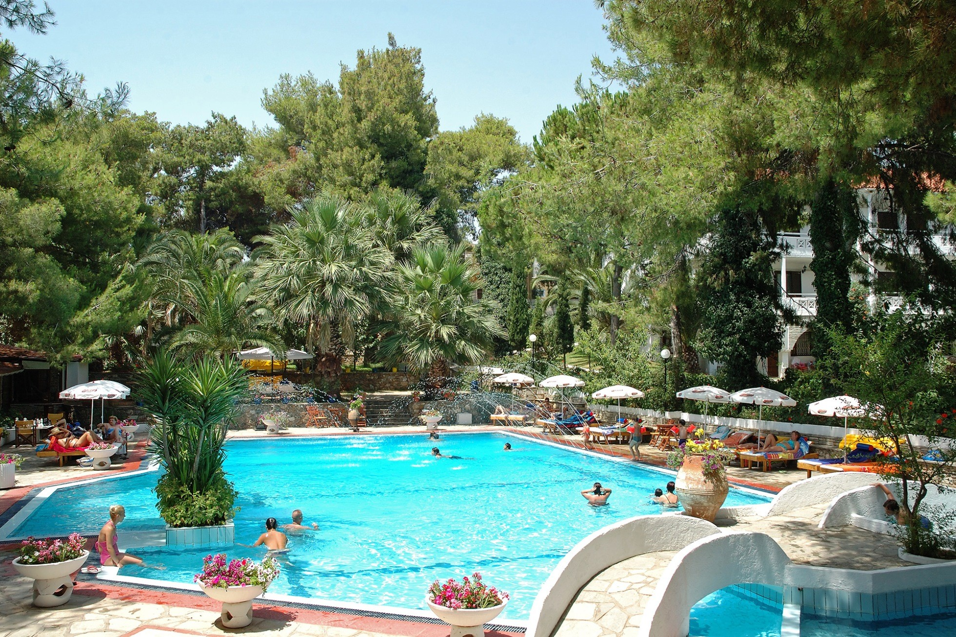 Porfi Beach Hotel - басейн