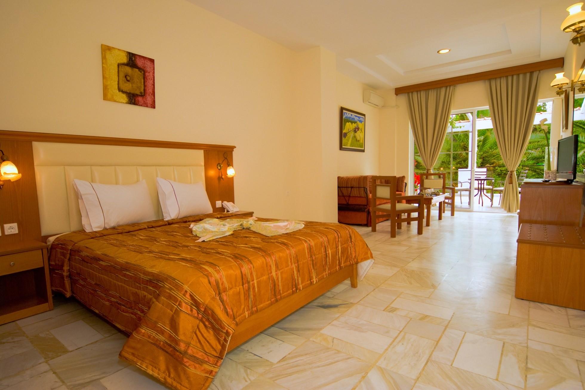 Porfi Beach Hotel - стая