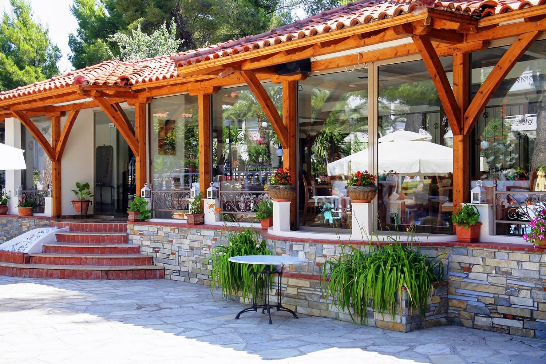 Porfi Beach Hotel - ресторант