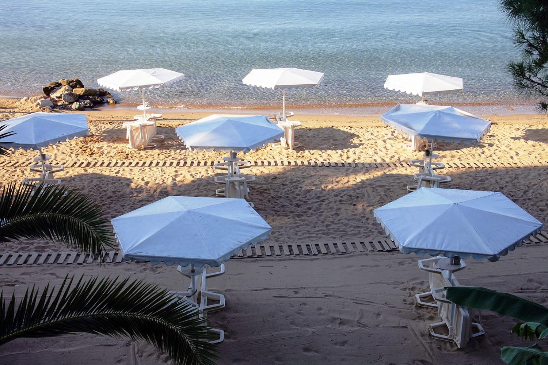 Porfi Beach Hotel - плаж
