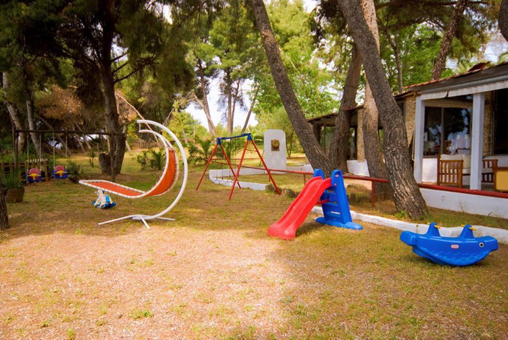 Porfi Beach Hotel - детска площадка