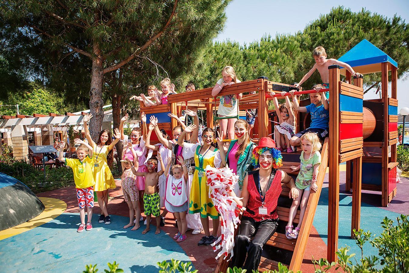 Pine Bay - детски клуб