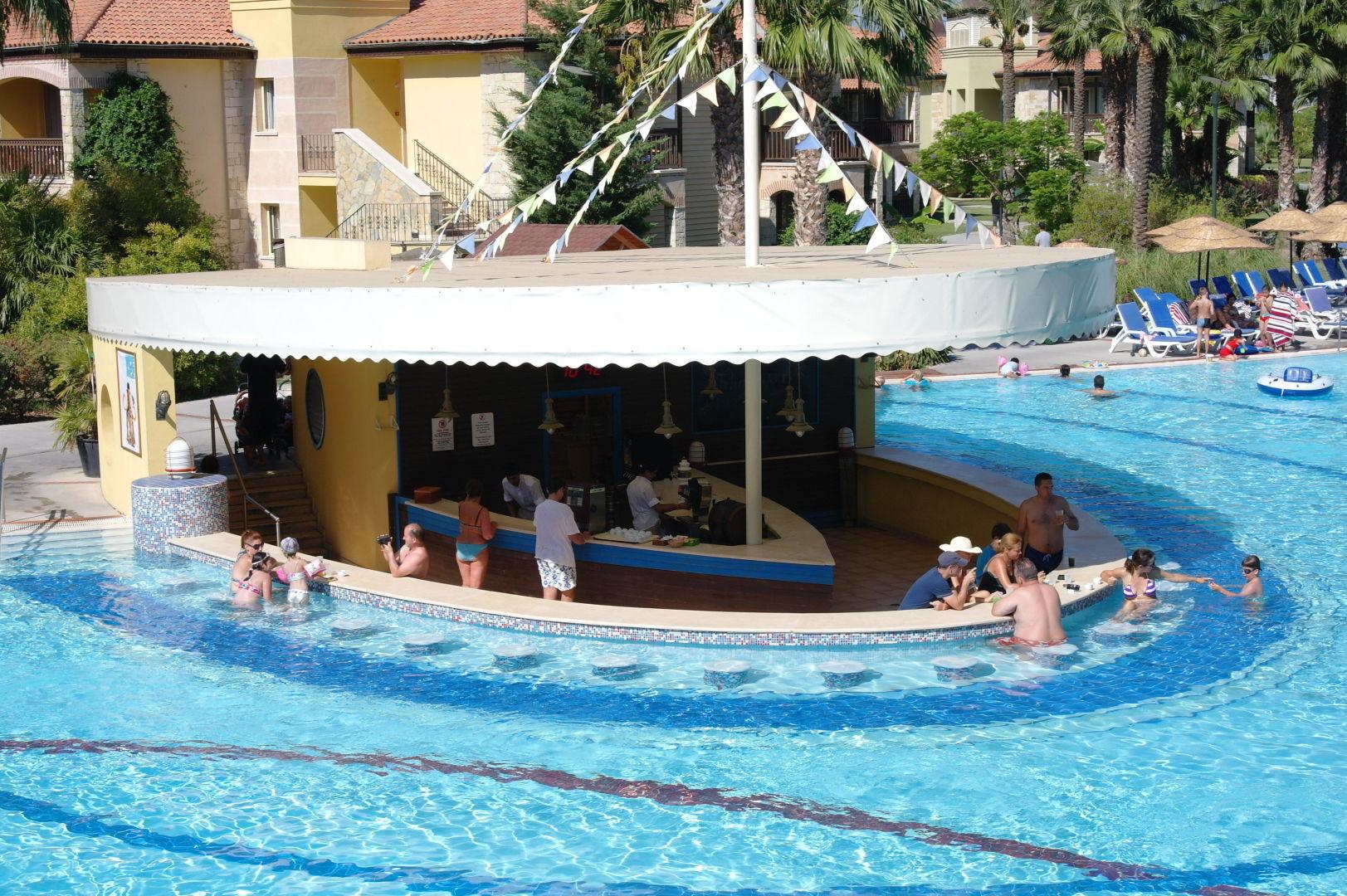 Aqua Fantasy - бар при басейна