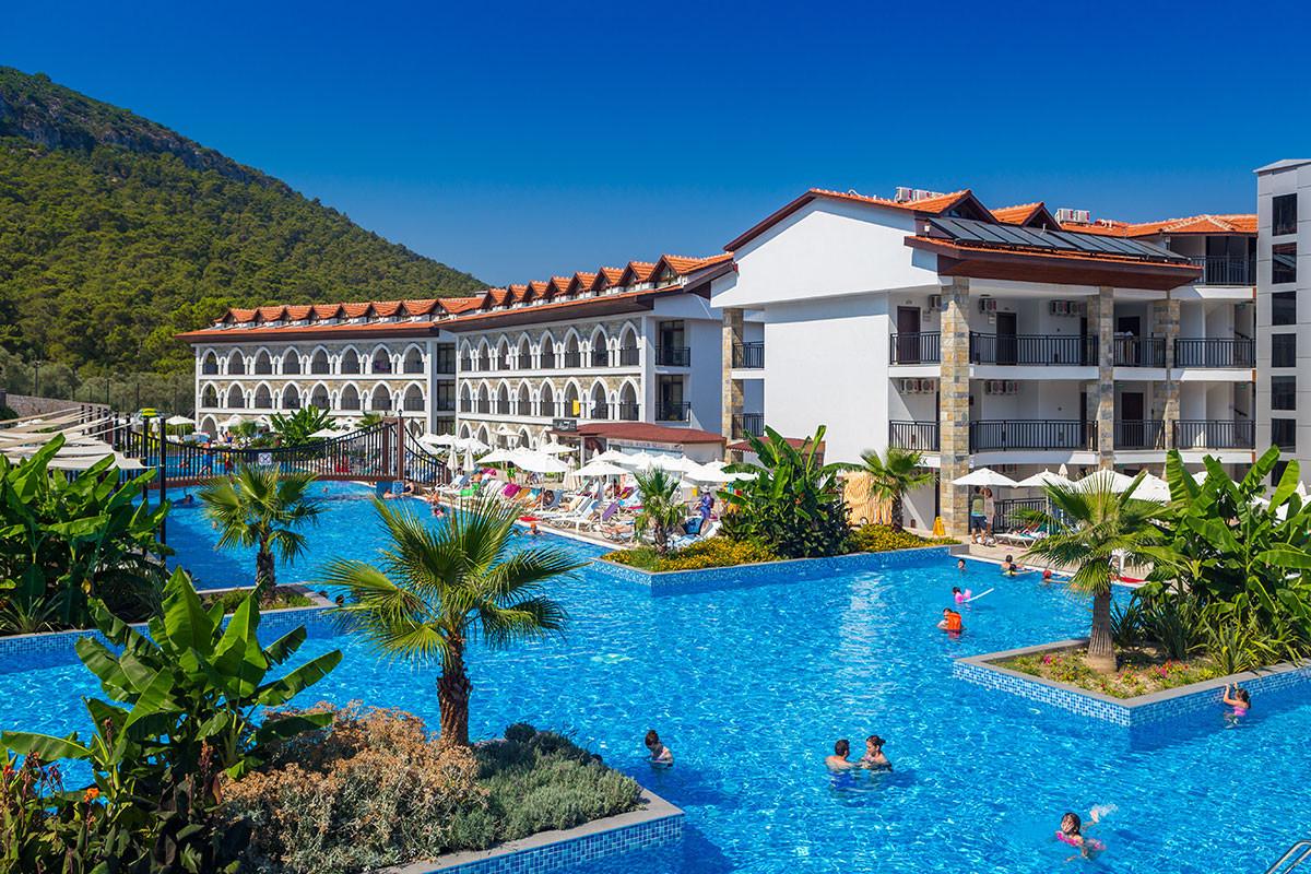 Ramada Resort Akbuk - общ изглед