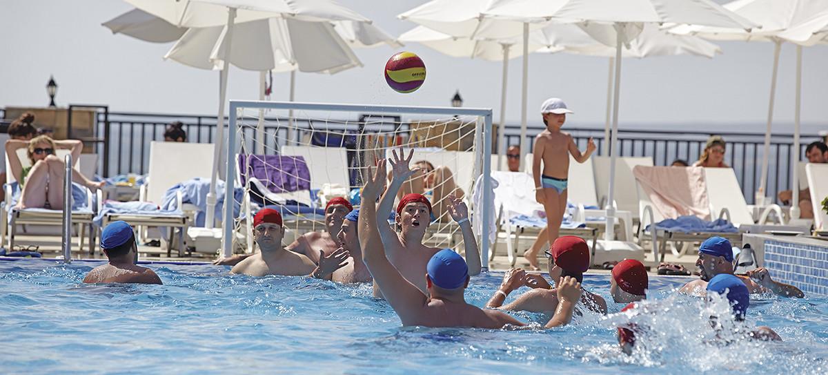 Ramada Resort Akbuk - водна топла