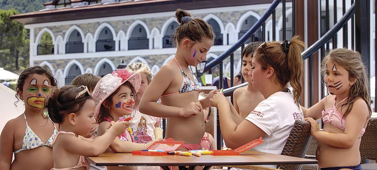 Ramada Resort Akbuk - детски клуб