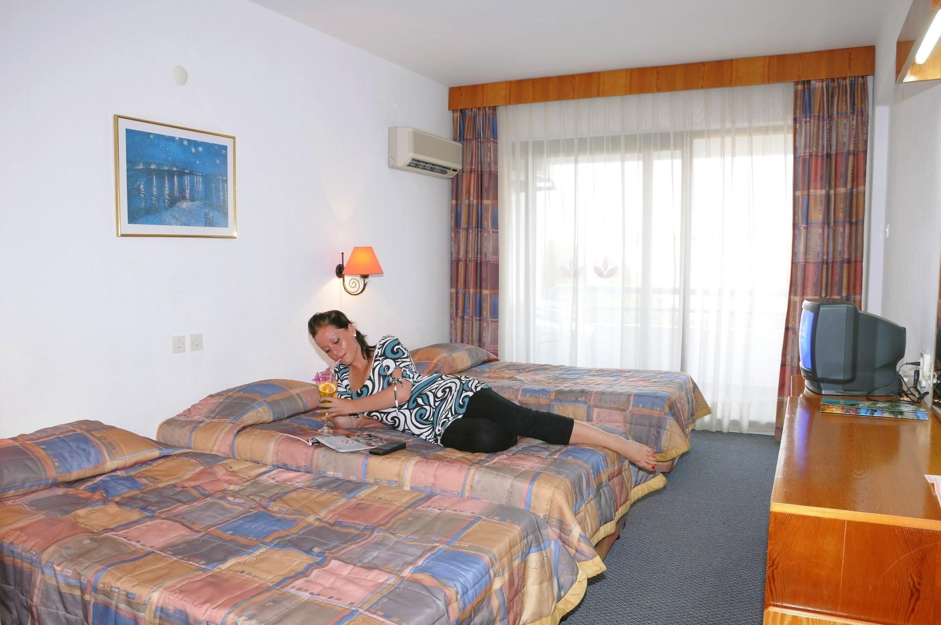 Club Hotel Grand Efe - фамилна стая