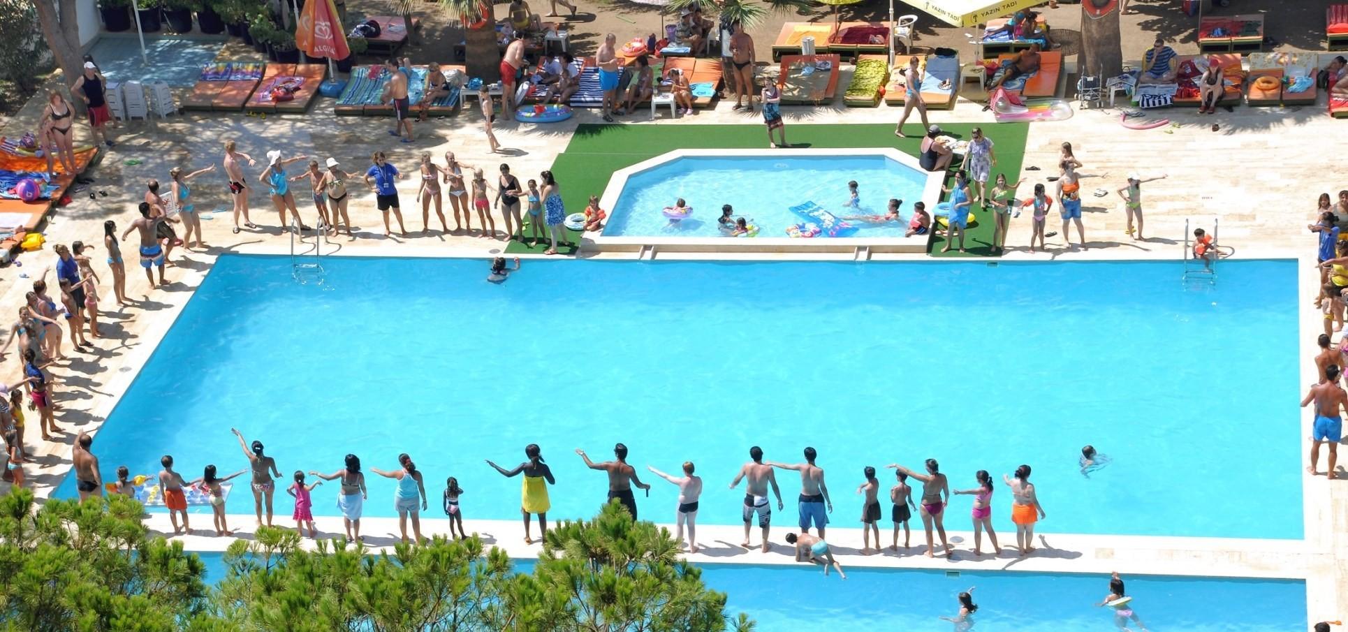 Club Hotel Grand Efe - басейн