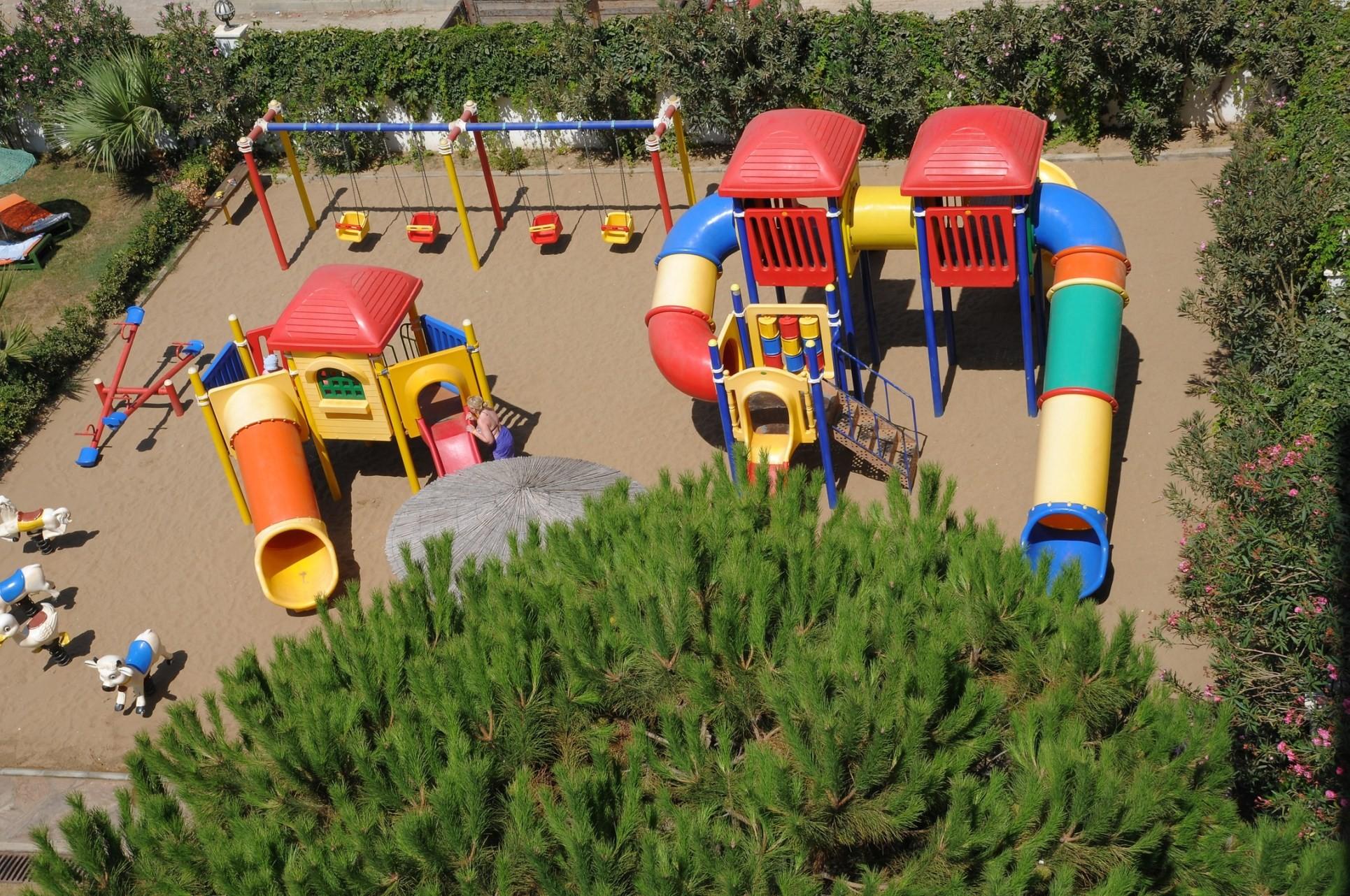 Club Hotel Grand Efe - детска площадка