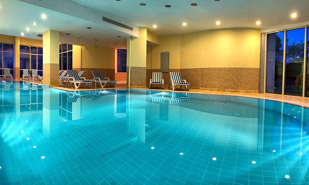 Buyuk Anadolu Didim Resort - вътрешен басейн