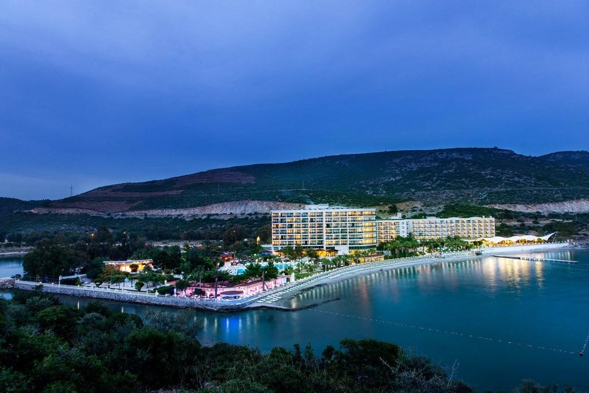 Hotel Tusan - нощен изглед