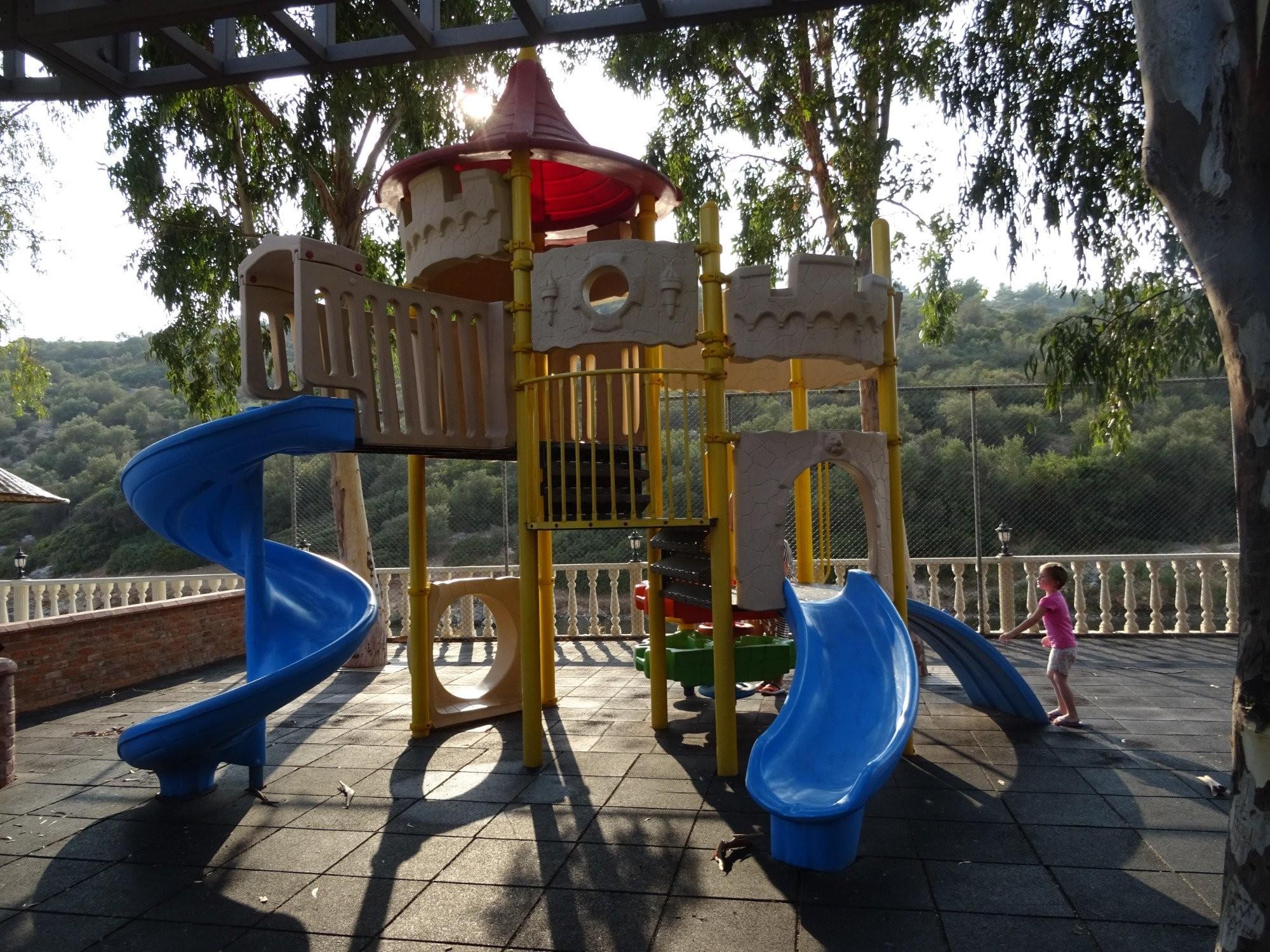Hotel Tusan - детска площадка