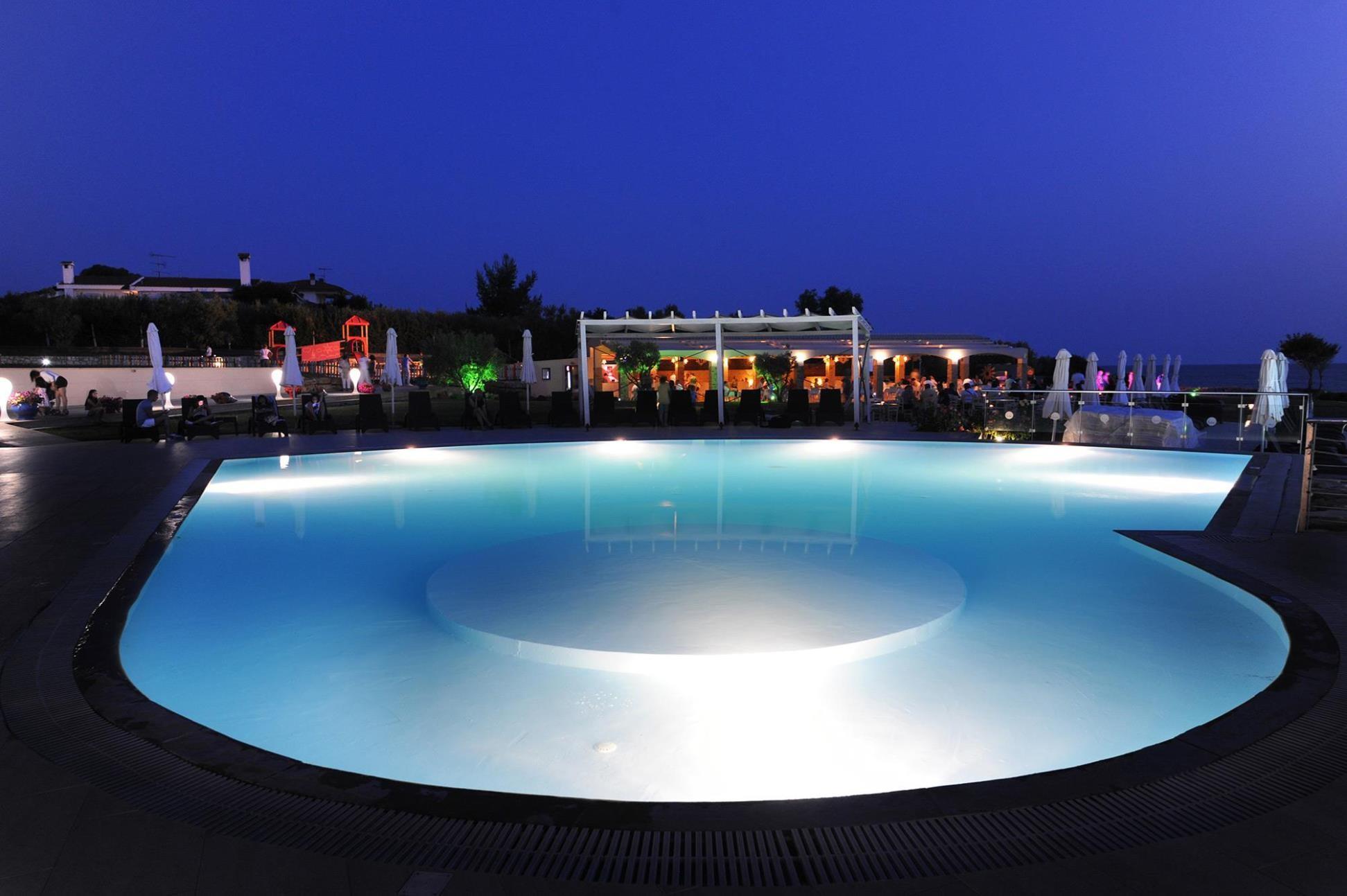 Istion Club & Spa - басейн