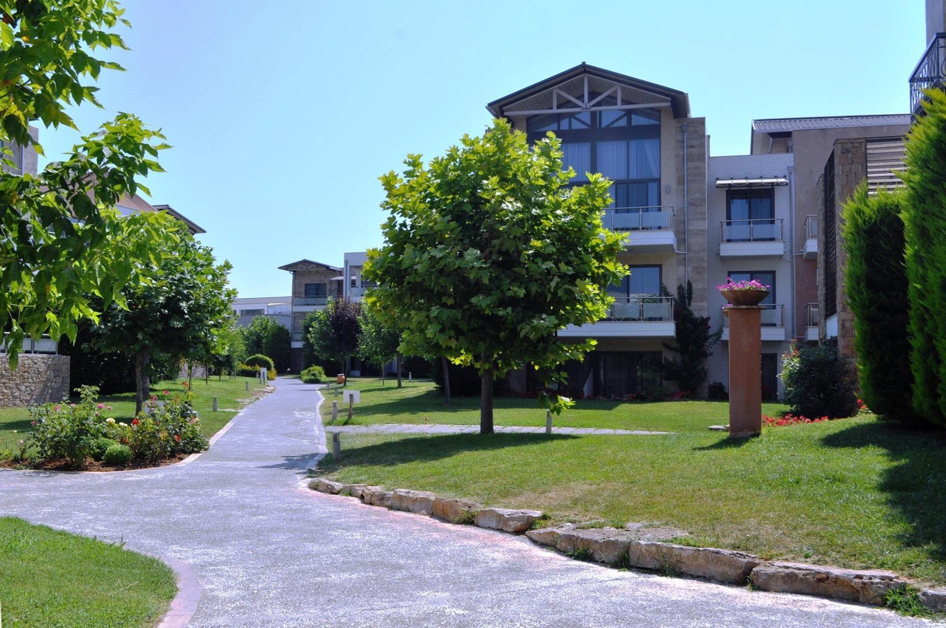 Istion Club & Spa - градина