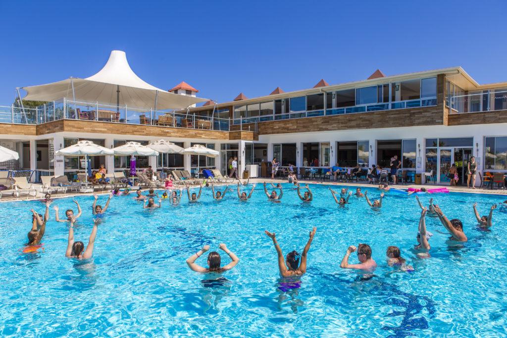 Armonia Holiday Village and Spa - басейн