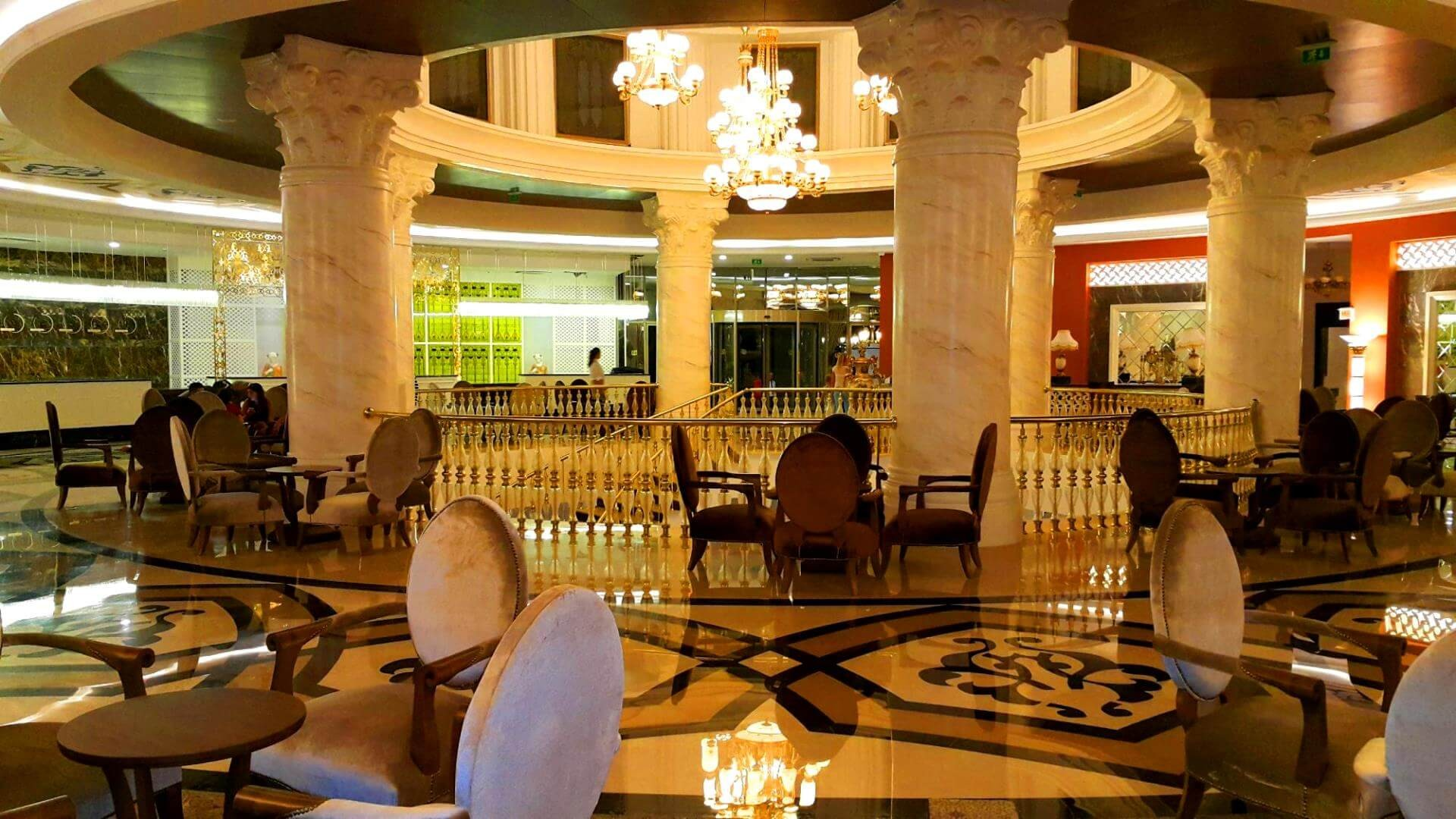 Hotel Sunis Efes Royal Palace - лоби
