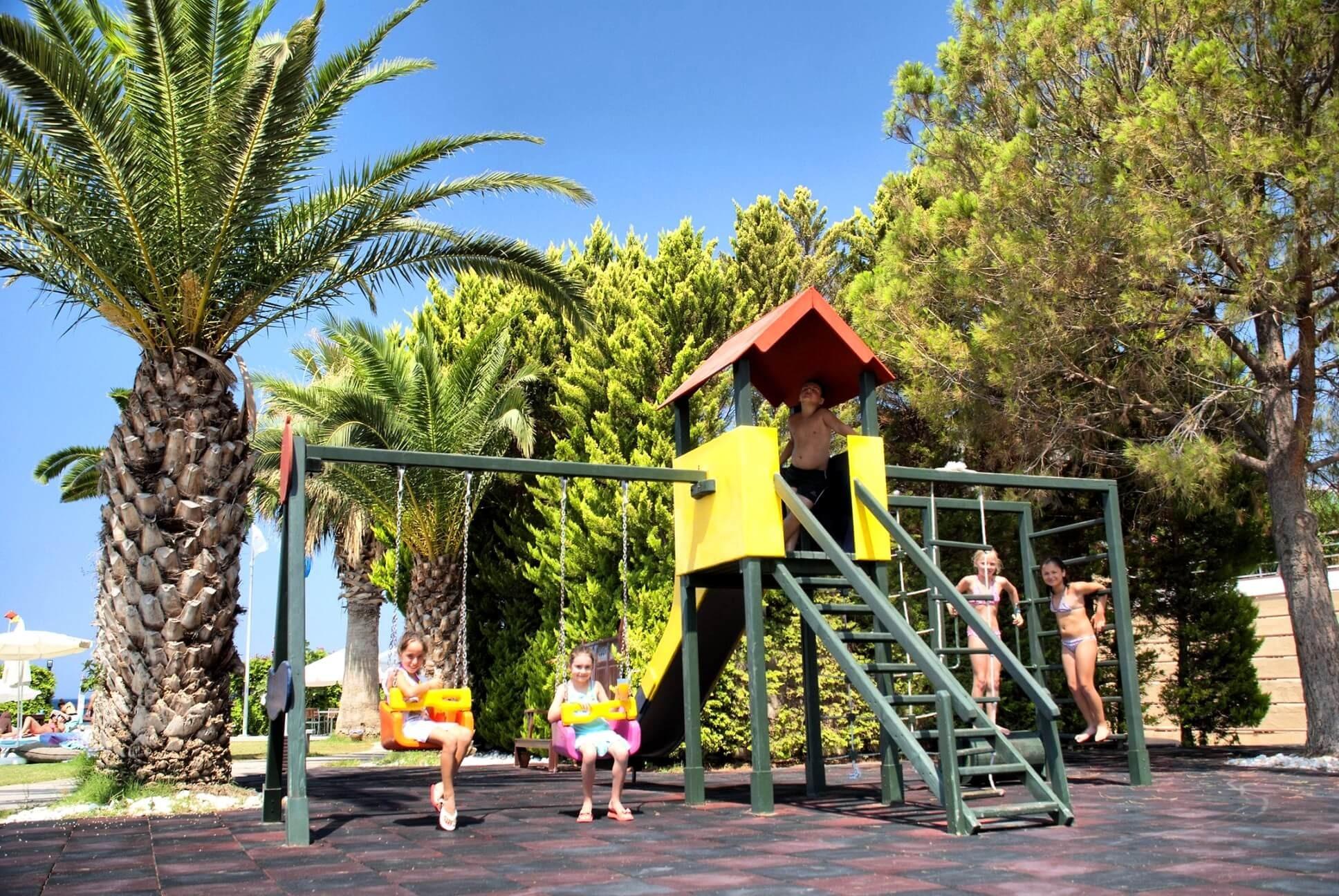 Ephesia - детска площадка