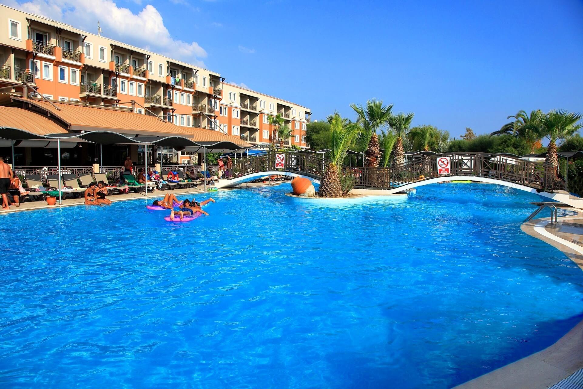 Cactus Club Yalı & Resort - басейн
