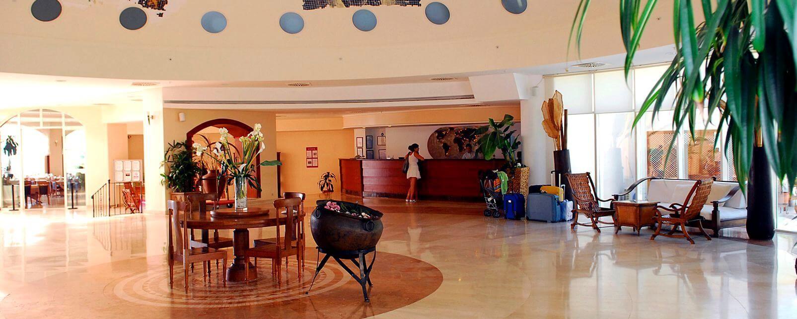 Yasmin Bodrum Resort - рецепция