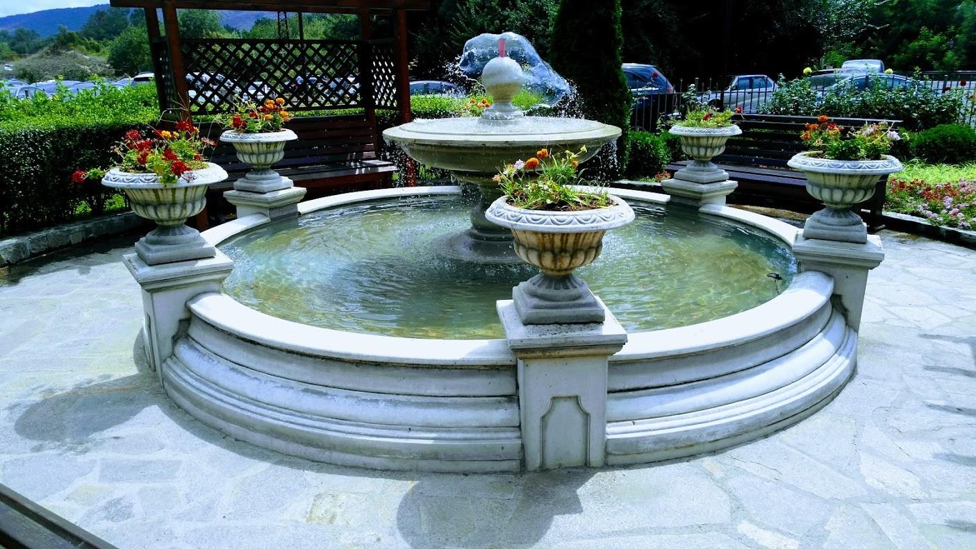 Аркутино Фемили Ризорт - фонтан