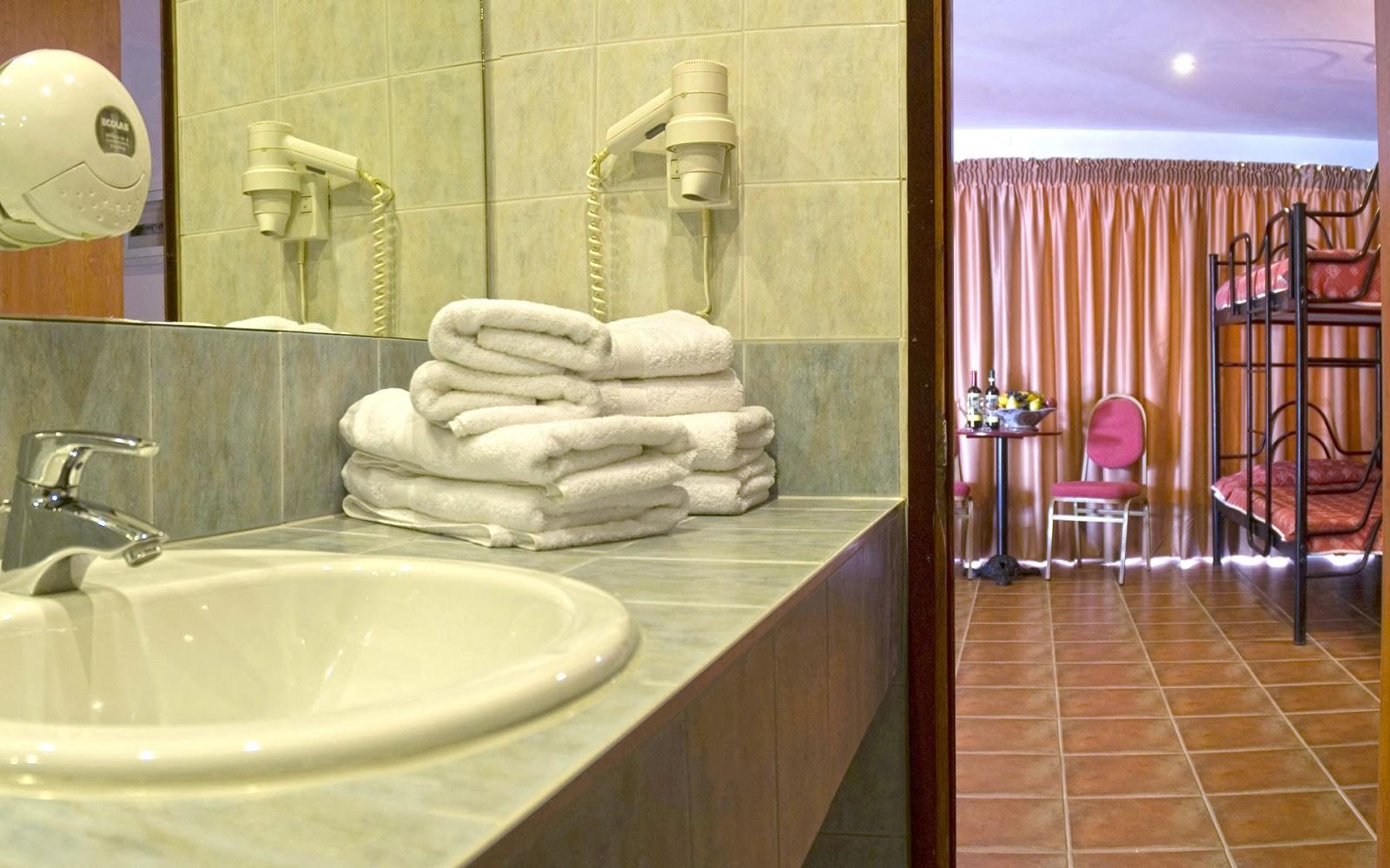 Kriopigi Beach Hotel - семейна стая
