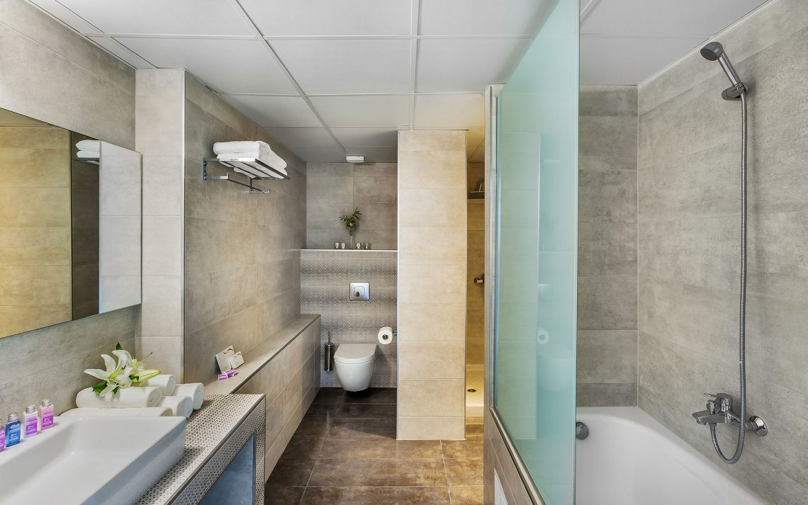 Kriopigi Beach Hotel - двустаен малък апартамент - баня