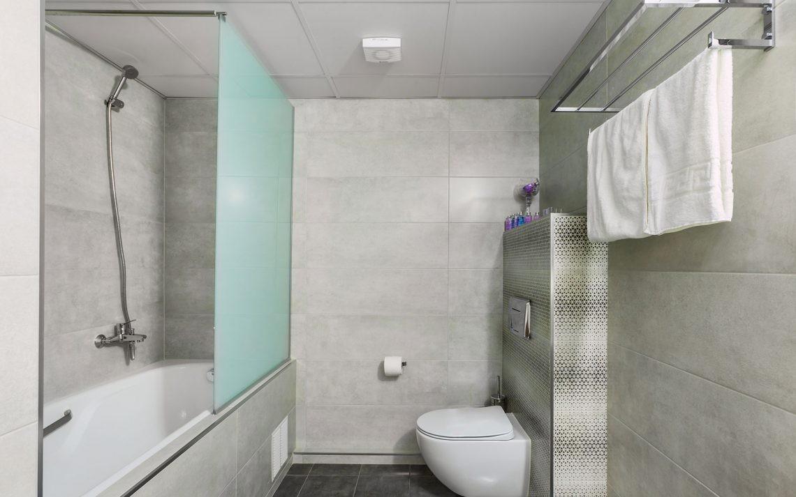 Kriopigi Beach Hotel - едностаен малък апартамент - баня