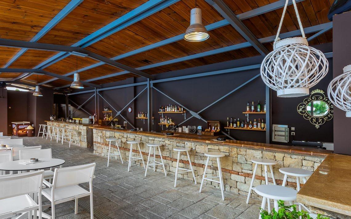 Kriopigi Beach Hotel - бар