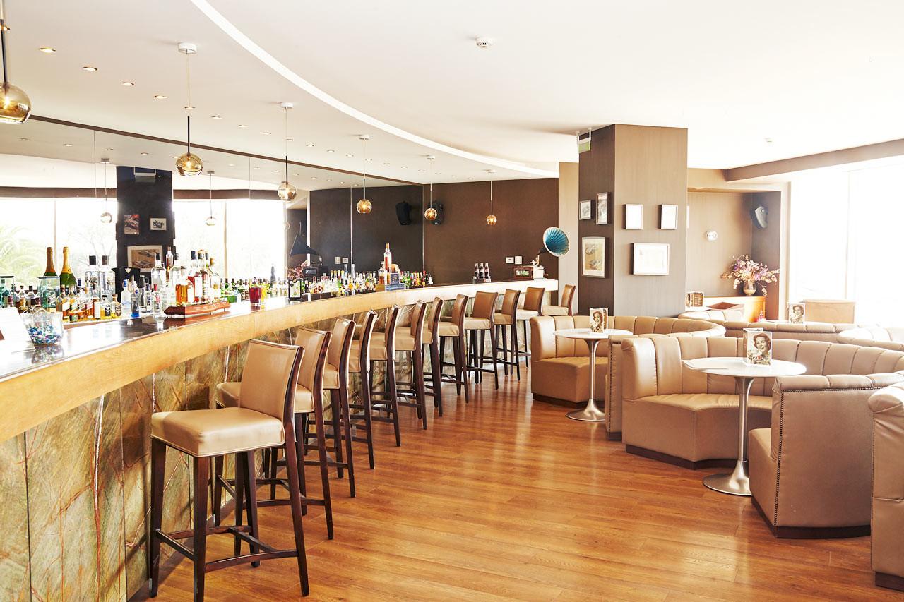 Lucy Beach Hotel 5* - бар