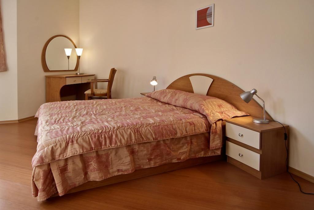 Хотел Флора
